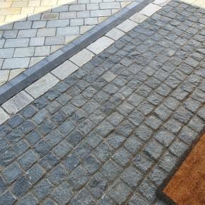 Black Granite Cobble Setts - 100x100 mm - 8.5 m2