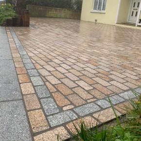Yellow Granite Tumbled Setts 200x100