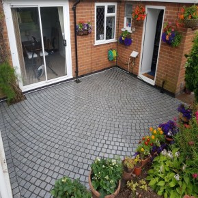 Silver Granite Tumbled Setts 100x100